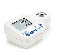 Digital Refractometer for Measuring Sodium Chloride in Food - HI96821