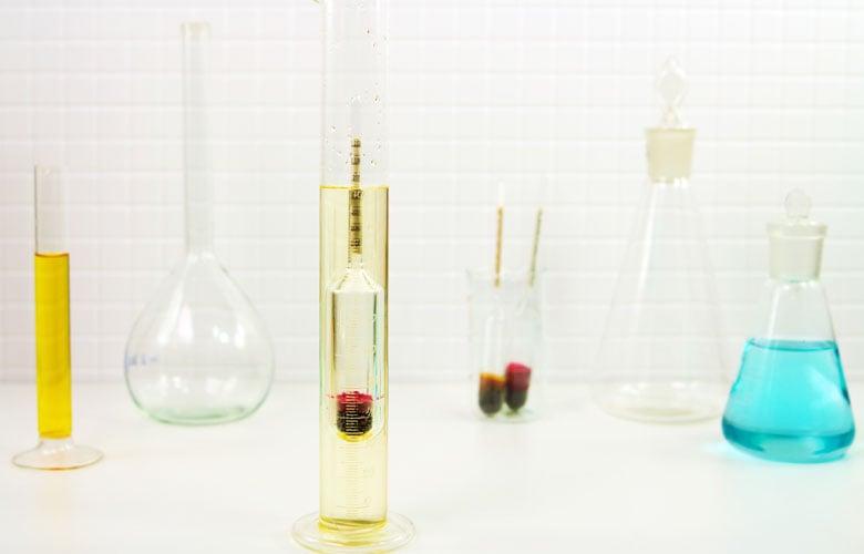 Hydrometer-and-beakers