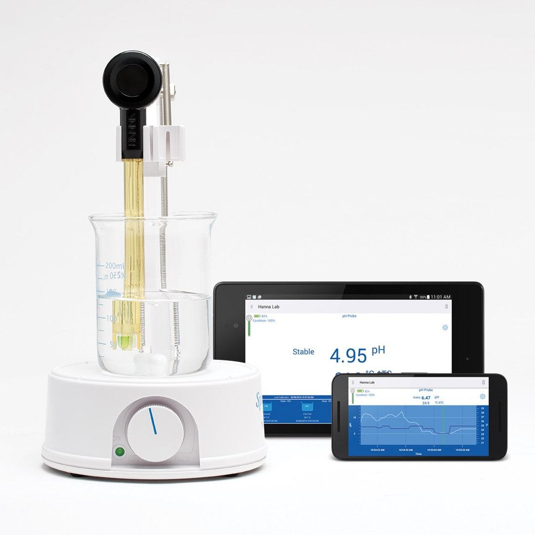 HALO electrode on a magnetic stirrer and the Hanna Lab app