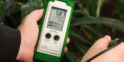 HI9814 portable hydroponics pH meter