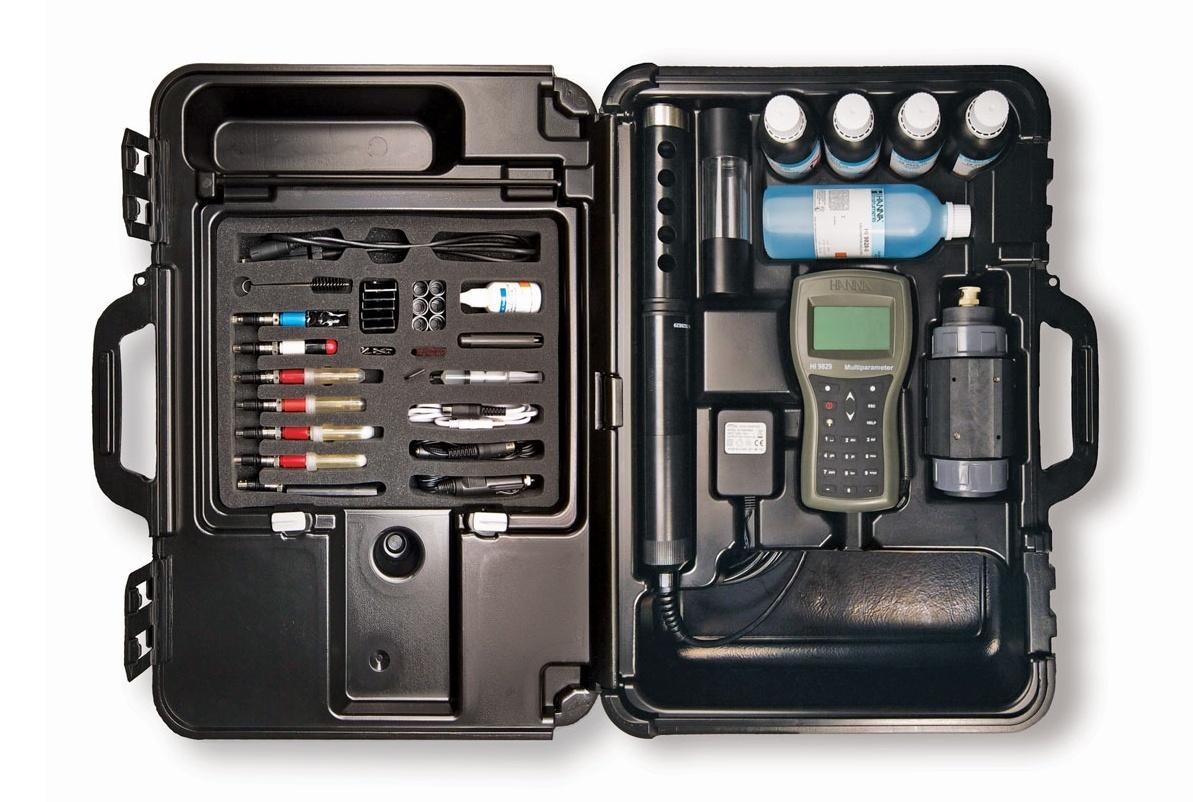 HI9829便携包中的完整套件