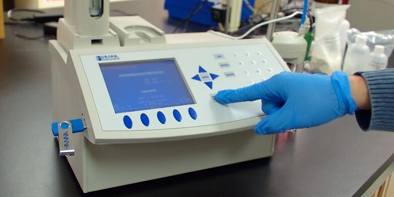 HI901C advanced titrator being used in the lab